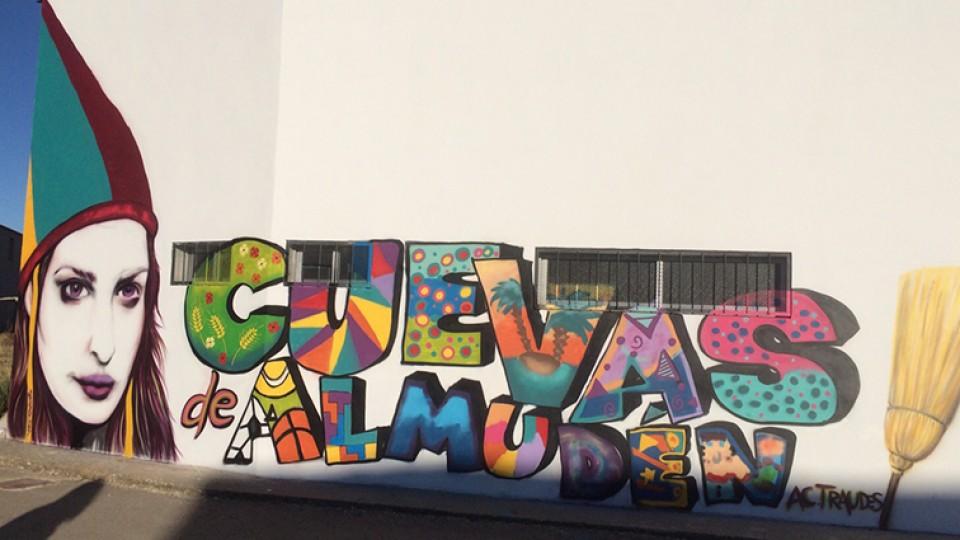 Curso de graffiti con Julia Nada Más